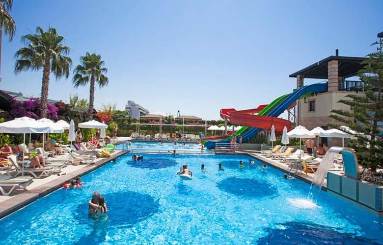 Vera Mare Resort - Pool - 16