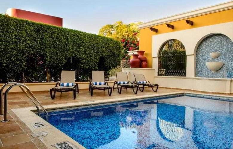 Plaza Campeche - Pool - 18
