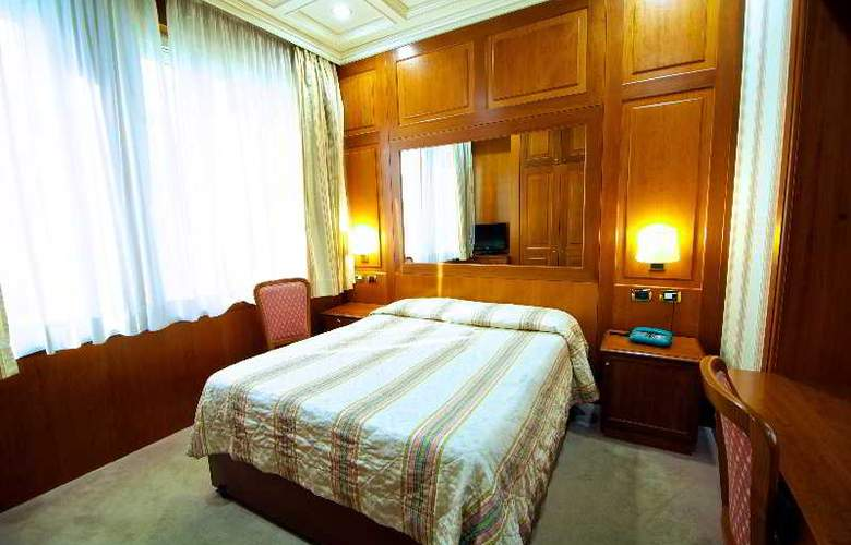 Dock (All Suites) - Room - 6
