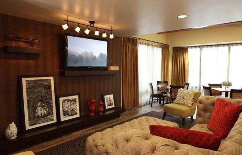 Hampton Inn Atlanta-Cumberland Mall- NW - Hotel - 1