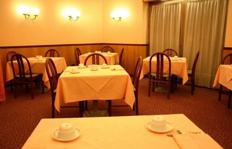 Albert Hotel - Hotel - 1