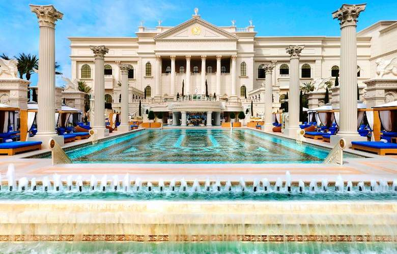 Caesars Palace - Pool - 13