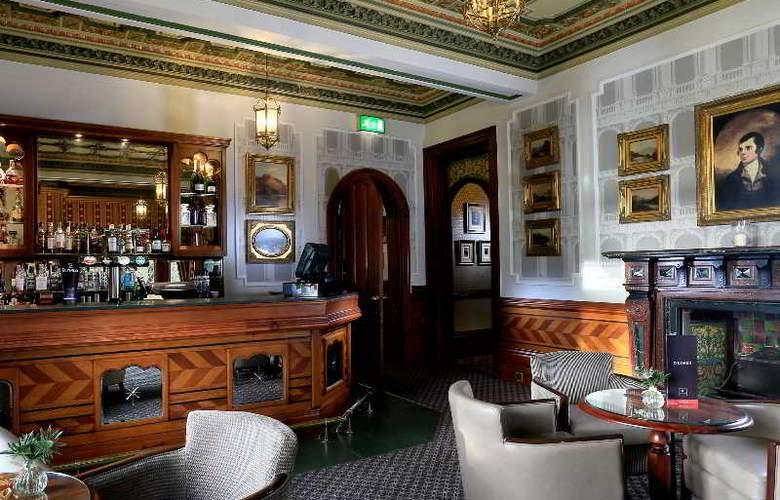 Macdonald Kilhey Court - Bar - 15