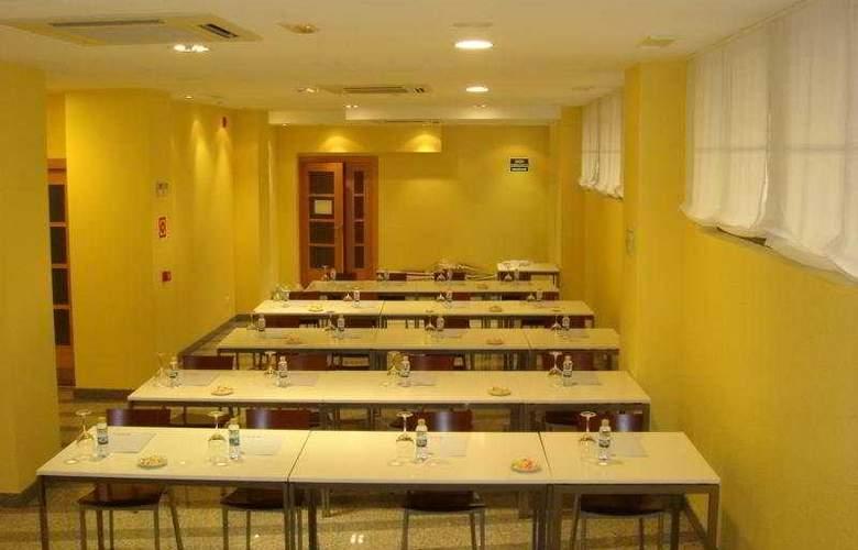 Palacio Congresos - Restaurant - 5