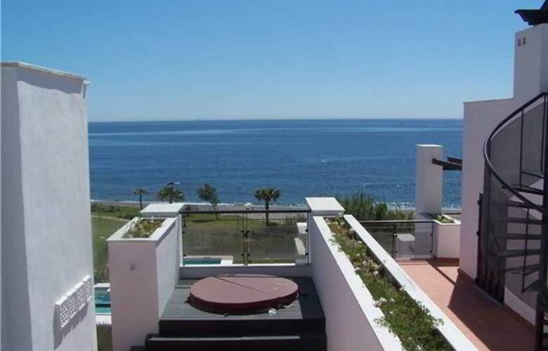 Casares Del Mar Luxury Apartments - General - 1