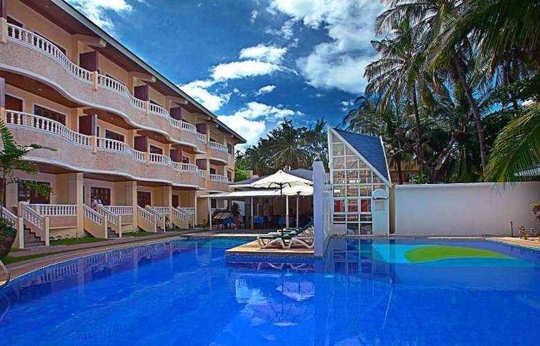 Real Maris Resort Boracay - Pool - 12