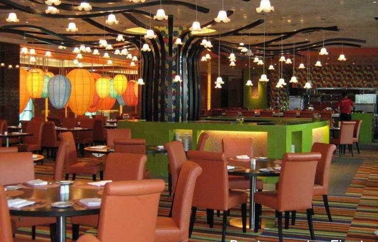 Festive - Restaurant - 7