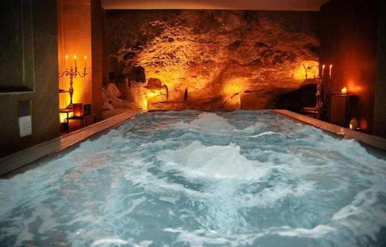 UnaHotels One Siracusa - Pool - 9