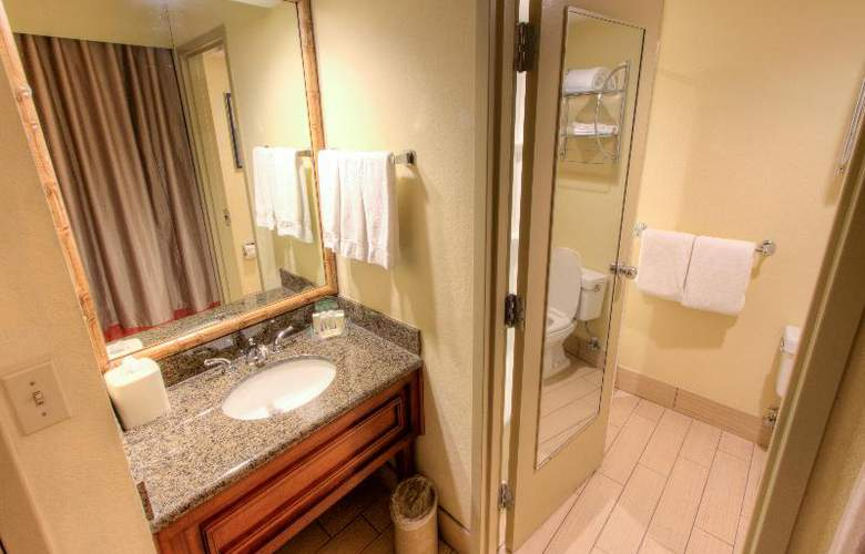Holiday Inn Tampa Westshore - Airport Area - Room - 9
