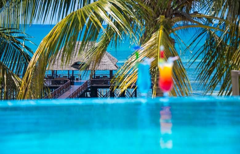 Sea Cliff Resort & Spa - Bar - 14