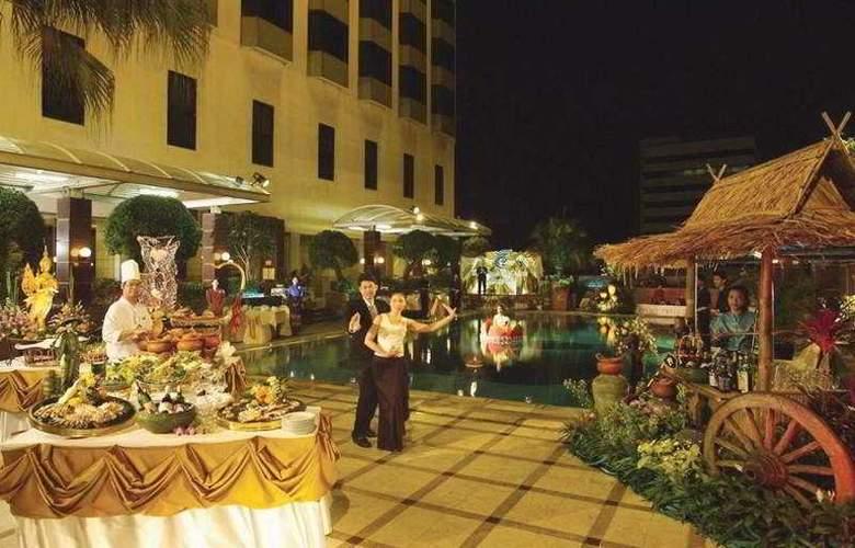 Chaophya Park Hotel - Pool - 5