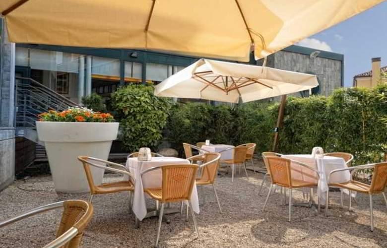 Elite Hotel Residence - Terrace - 10