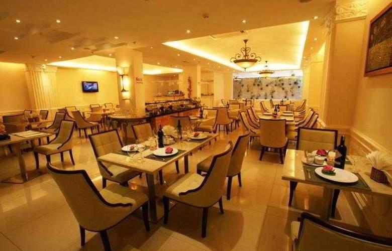 Blue Diamond Hotel - Restaurant - 9