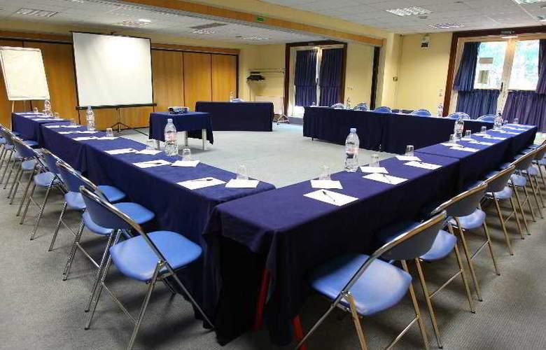 Pierre et Vacances Villages Clubs Cannes Mandelieu - Conference - 6