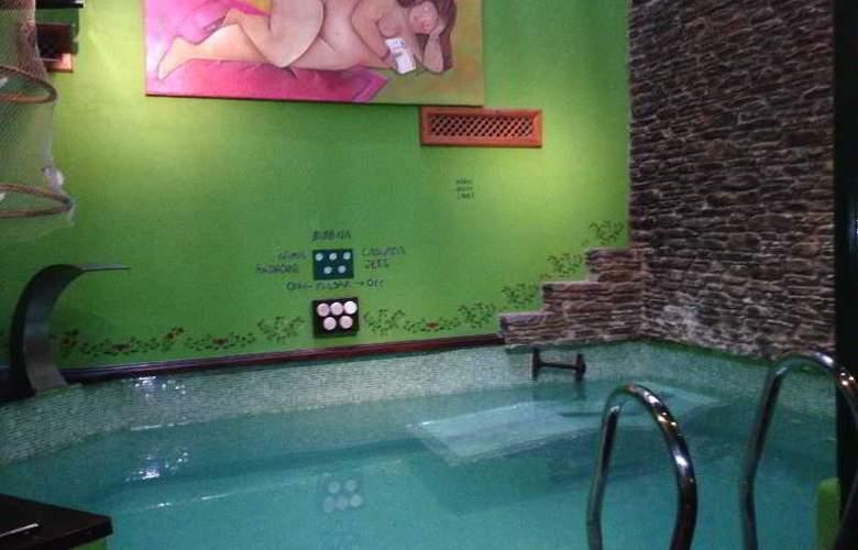 Aran la Abuela - Pool - 29