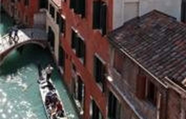 Bella Venezia - Hotel - 0
