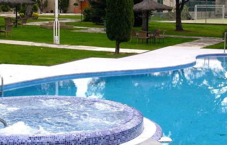 Mas Sola - Pool - 2