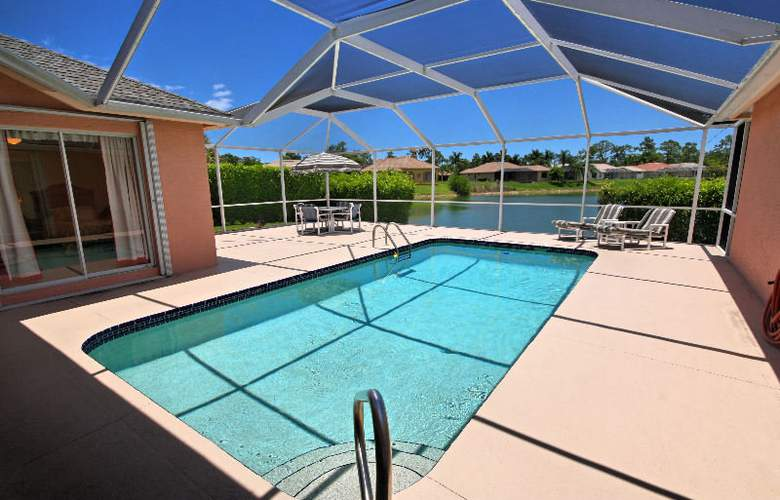 Universal Vacations Homes Naples - Pool - 2