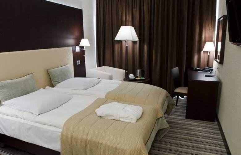 Dnister Premier Hotel - Room - 4