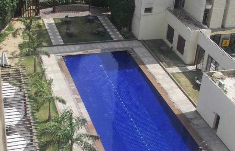 Qutab Clarion Collection - Pool - 4