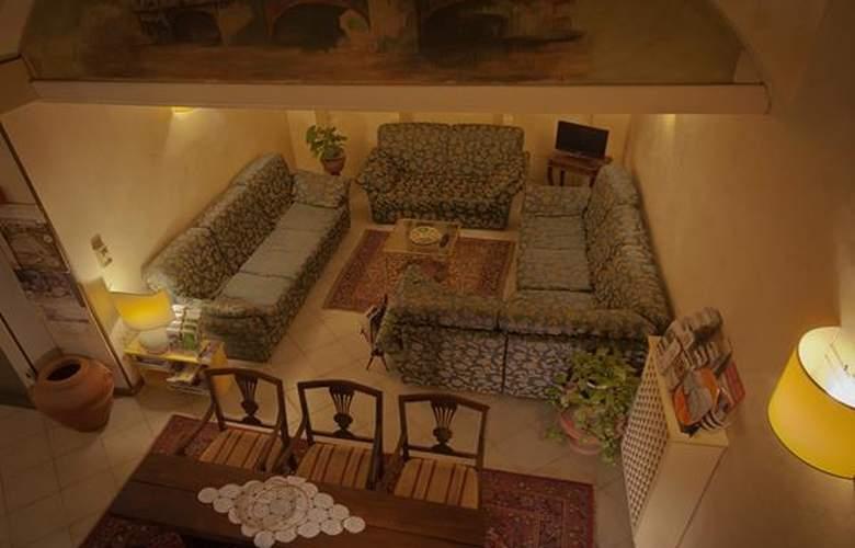 Gioia - Hotel - 1