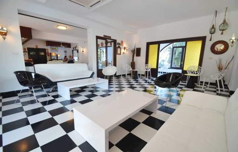 Azuline Hotel Galfi - Bar - 24