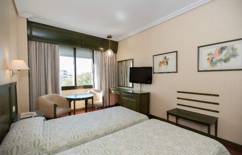 America Sevilla - Room - 8