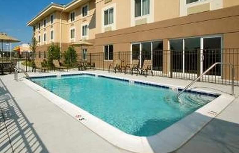Sleep Inn & Suites - Dover - Pool - 3