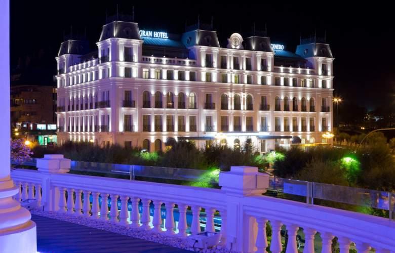 Gran Hotel Sardinero - Hotel - 0