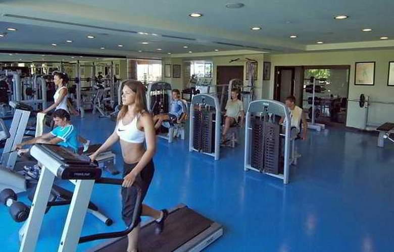 Titanic Beach & Resort De Luxe Hotel - Sport - 11