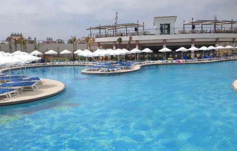Terrace Elite Resort Hotel - Pool - 15