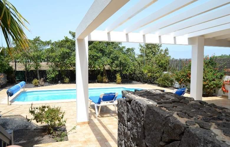 Sun Grove Villas - Pool - 13