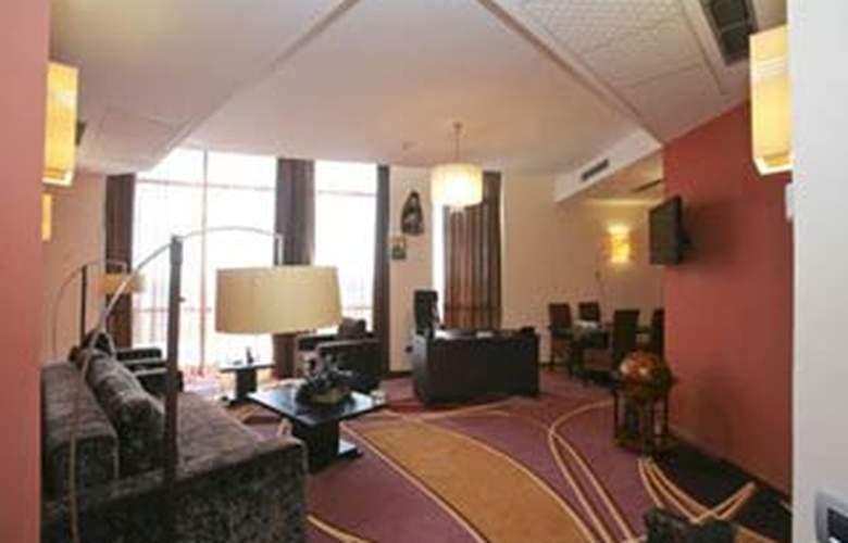 Plus Mari Vila Bucharest - Room - 4