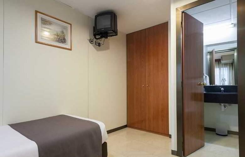 Condal - Room - 15