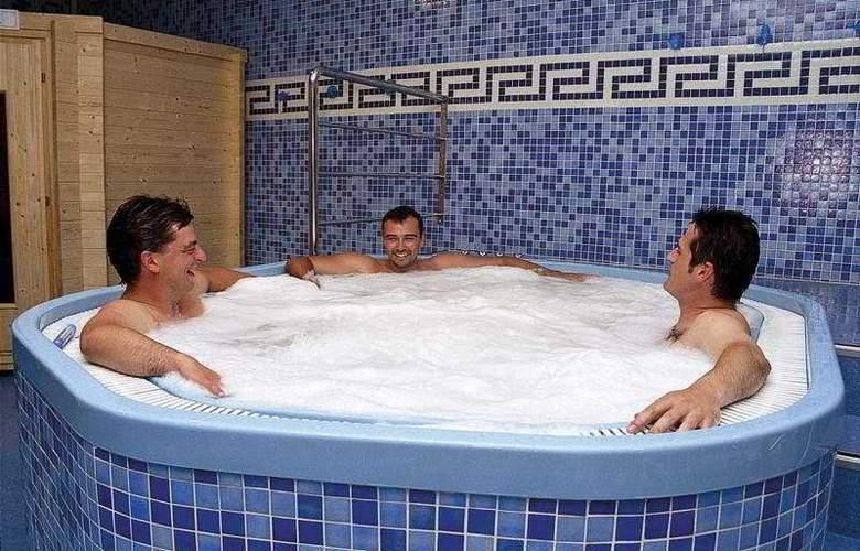 Arha Villa de Suances (antes Arha Albatros) - Pool - 2