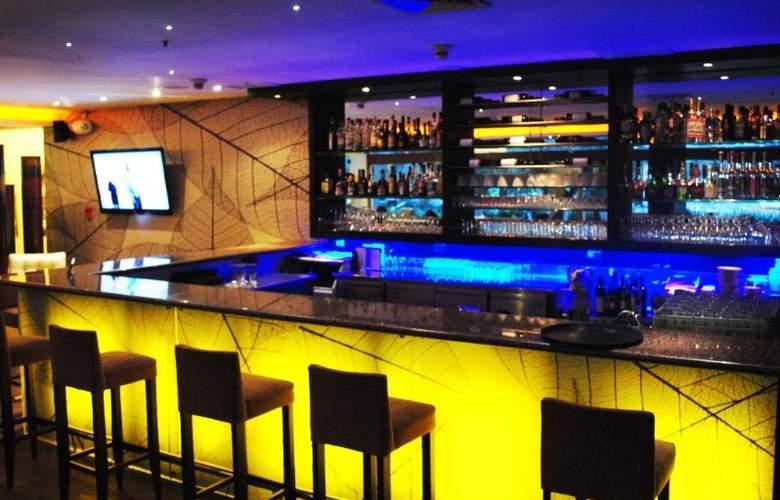 Sonesta Hotel El Olivar - Bar - 5