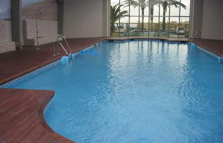 Suites Duquesa Golf & Spa - Pool - 7