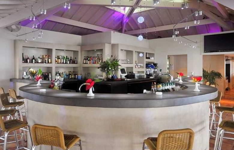 St Martin Marina and Spa - Bar - 4