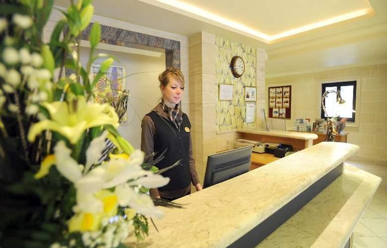 Solana Hotel & Spa - General - 10