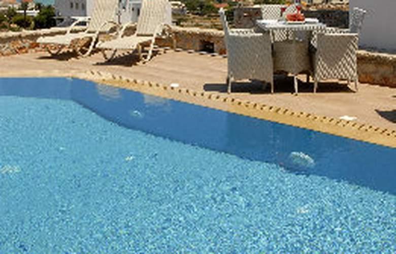 Kythira Golden Resort - Pool - 10