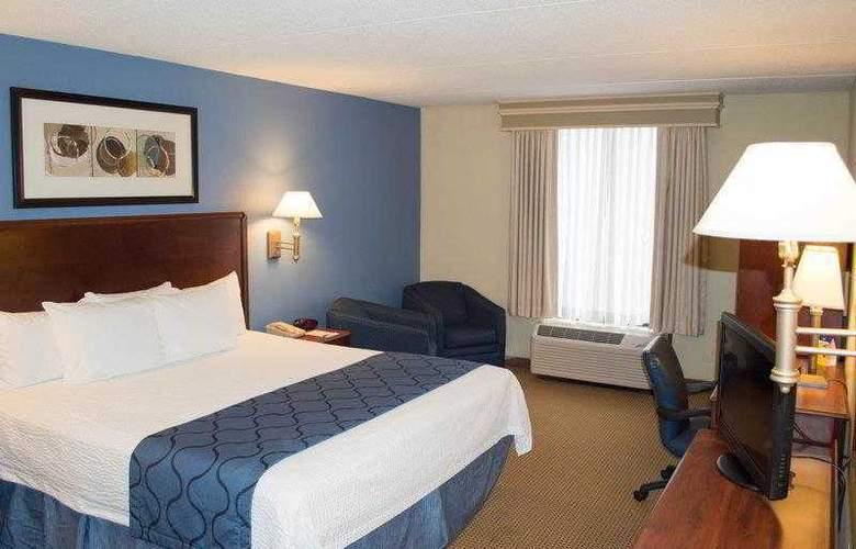 Best Western Plus Portsmouth-Chesapeake - Hotel - 14