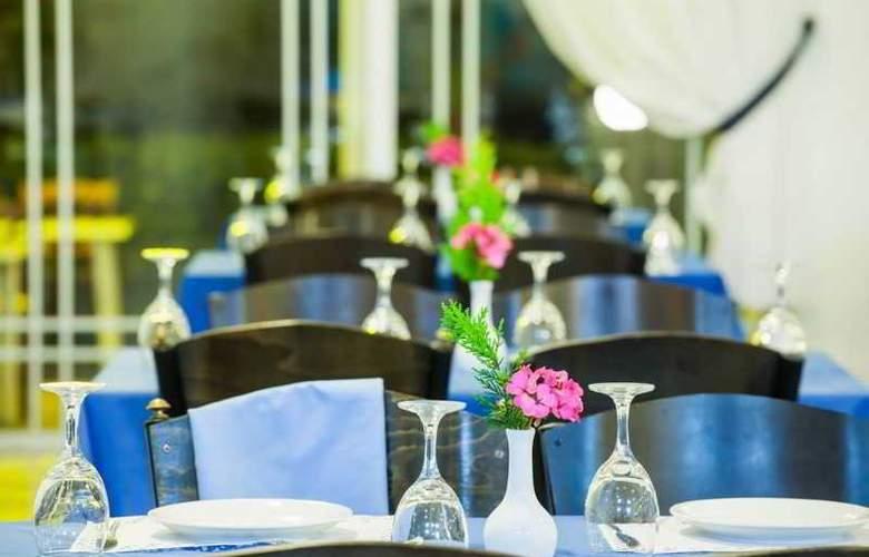 Port Marina - Restaurant - 30