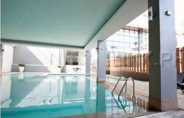 Dohera Hotel - Pool - 10