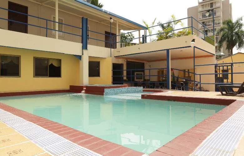 La Cresta Inn - Pool - 6