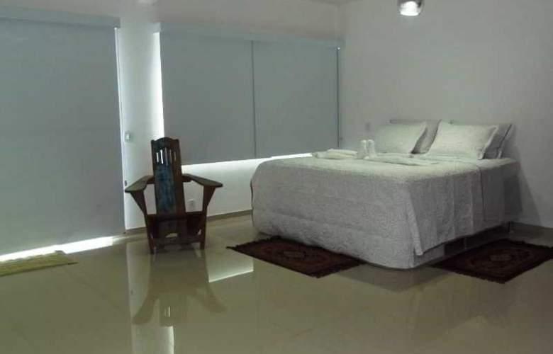 Falcon Guest Suites - Room - 1