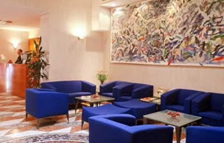 ZURIGO HOTEL - Hotel - 3