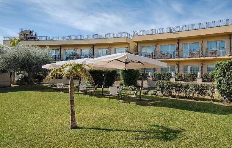 NH Parco Degli Aragonesi - Hotel - 14