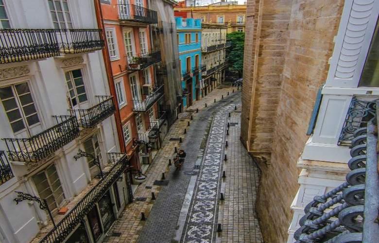 Petit Palace Plaza de la Reina - Hotel - 7