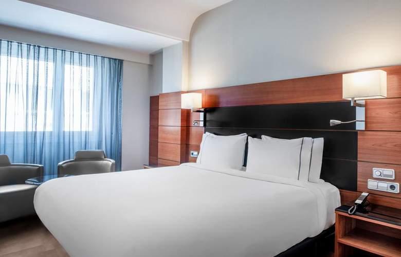 AC Carlton Madrid - Room - 10
