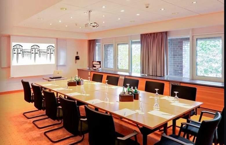 Radisson Blu Senator Hotel - Conference - 4